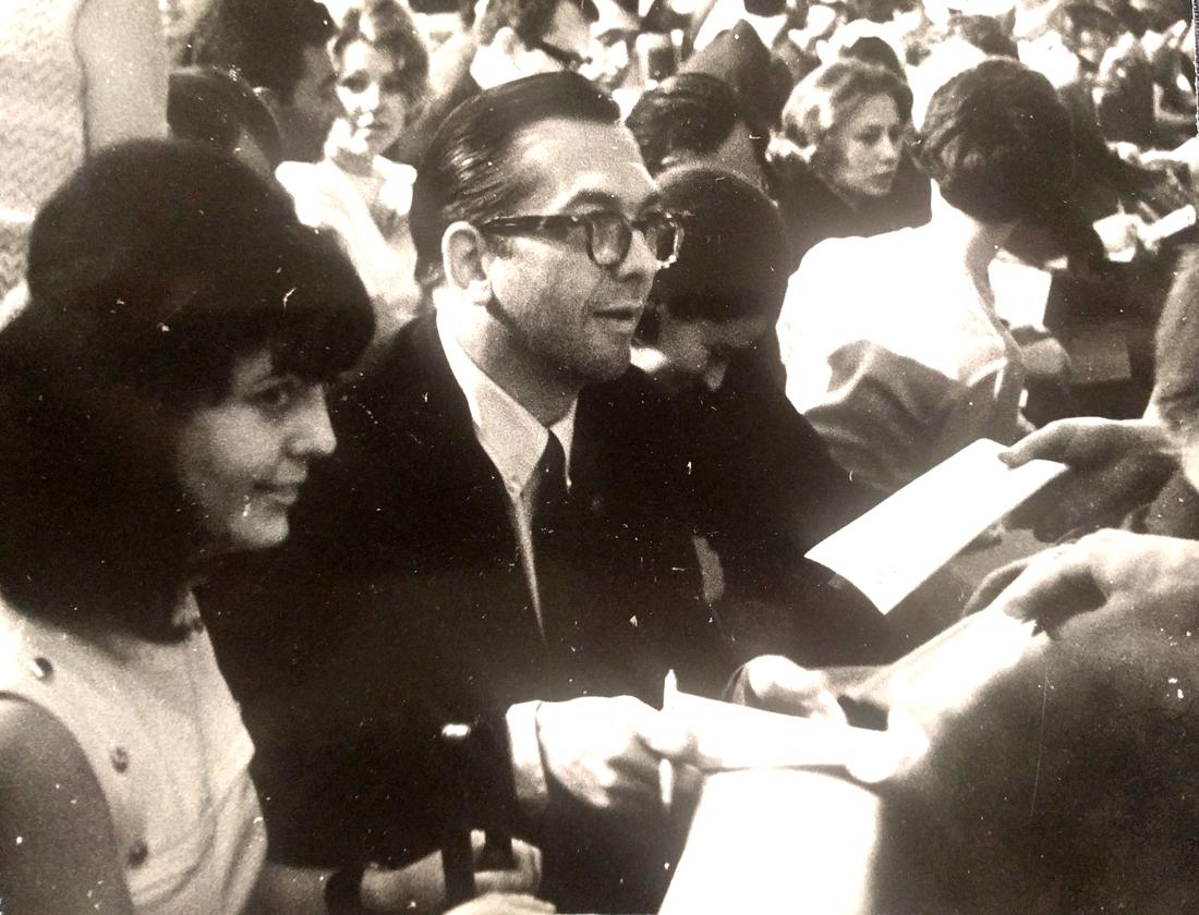 Уиллис Коновер с супругой на фестивале