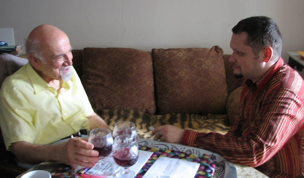 Июнь 2006, Нью-Йорк. Легендарный продюсер Джордж Авакян даёт интервью автору книги