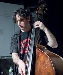 Adam Lane (C) Peter Gannushkin, Downtownmusic.Net