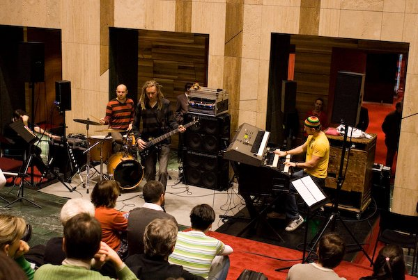 Krisztian Horvath Trio