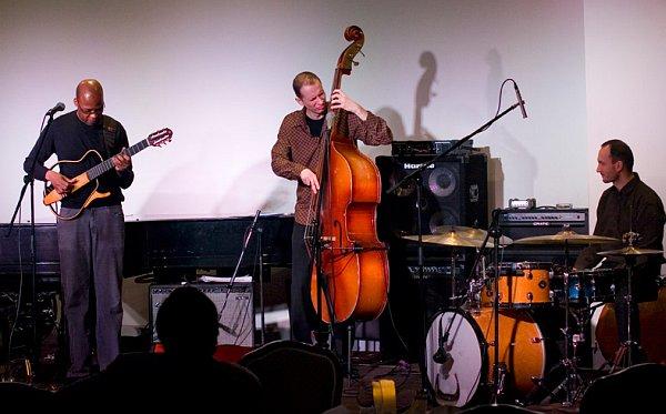 Lionel Loueke Trio