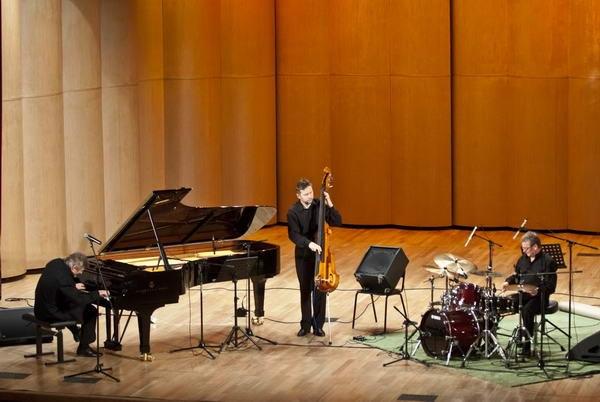 Andrzej Jagodziński Trio (фото: Павел Корбут)