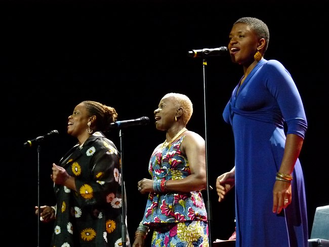 Dianne Reeves, Angelique Kidjo, Lizz Wright