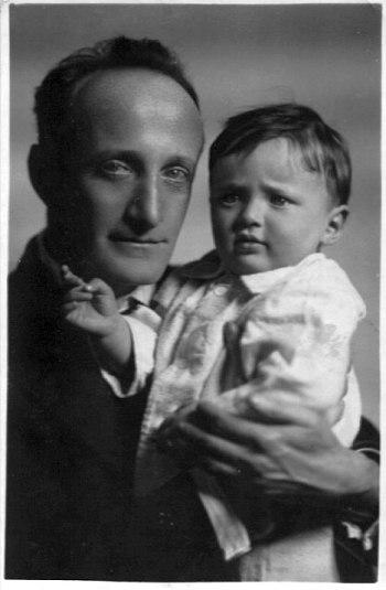 Валентин Парнах с сыном Александром