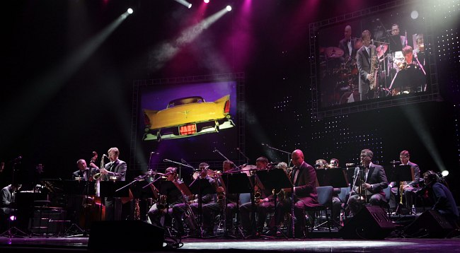 Джаз-оркестр Игоря Бутмана на сцене Кремлёвского дворца
