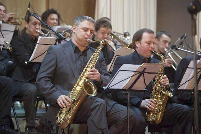 Kiev Big Band (в центре кадра - «Бобин» Александров)