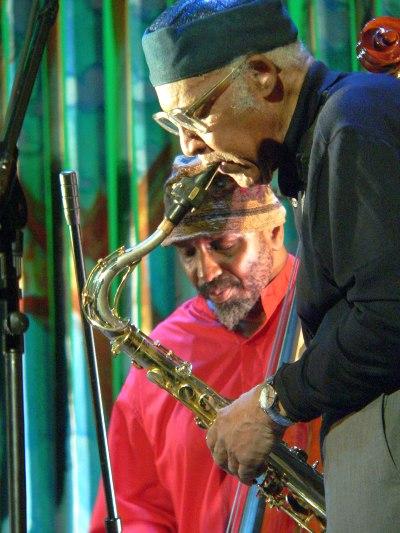 Уильям Паркер с легендой афроамериканского авангарда Фредом Андерсоном на Vision Festival 2009 г.