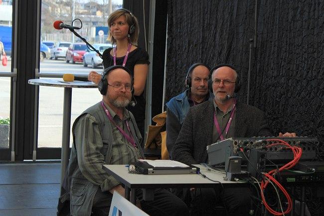Klassika Raadio в прямом эфире: на первом плане ведущие Тийт Куснетс и Иммо Михкельсон