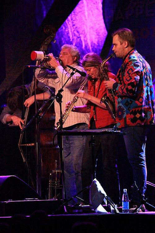 Mark Solborg Trio + Special Guests
