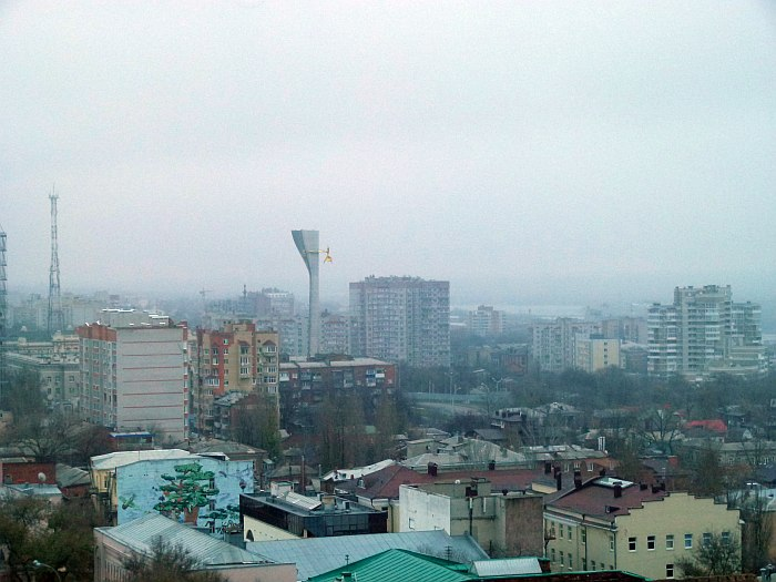 Ростов-на-Дону (Дон - вдалеке справа)