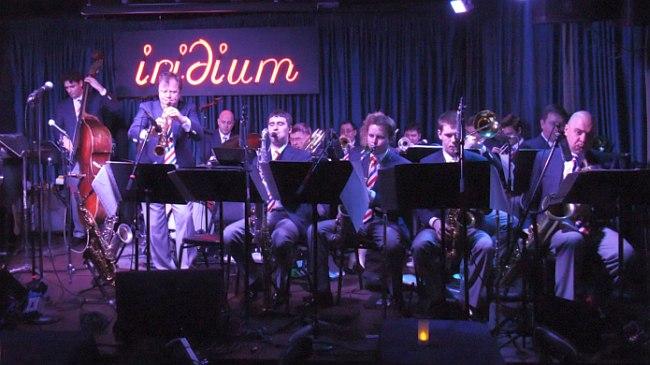 Московский джаз-оркестр в клубе Iridium. Солирует Игорь Бутман.
