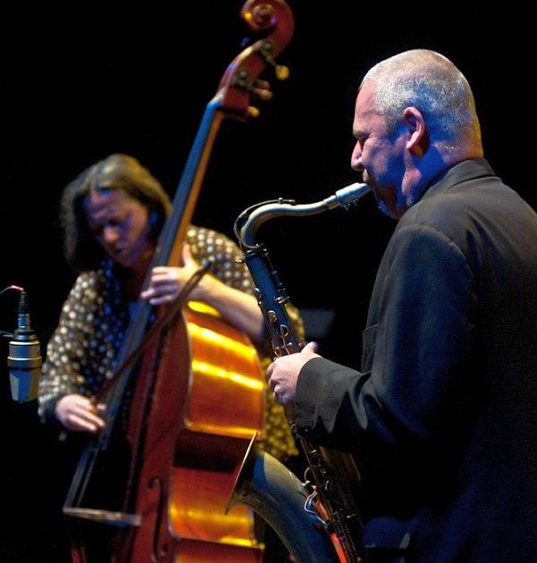 Joëlle Léandre & Akosh Szelevényi