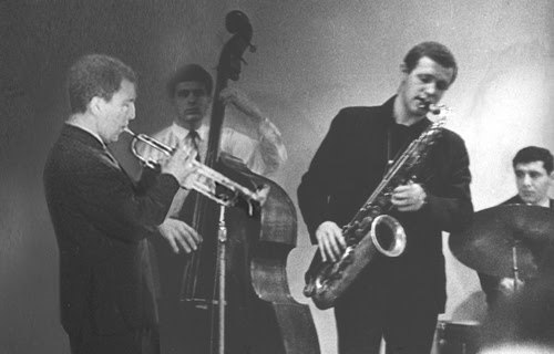 Задолго до эмиграции: Валерий Пономарёв (слева) и тенор-саксофонист Виталий Клейнот. 1960-е годы