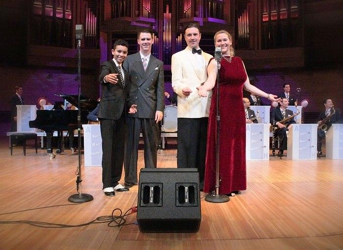 Swing Dance Orchestra: David Hermlin, Andrej Hermlin, Gennadij Desatnik, Viola Manigk