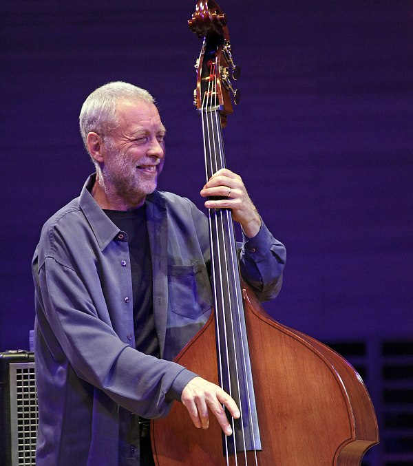 Dave Holland (photo © Vladimir Korobitsyn)