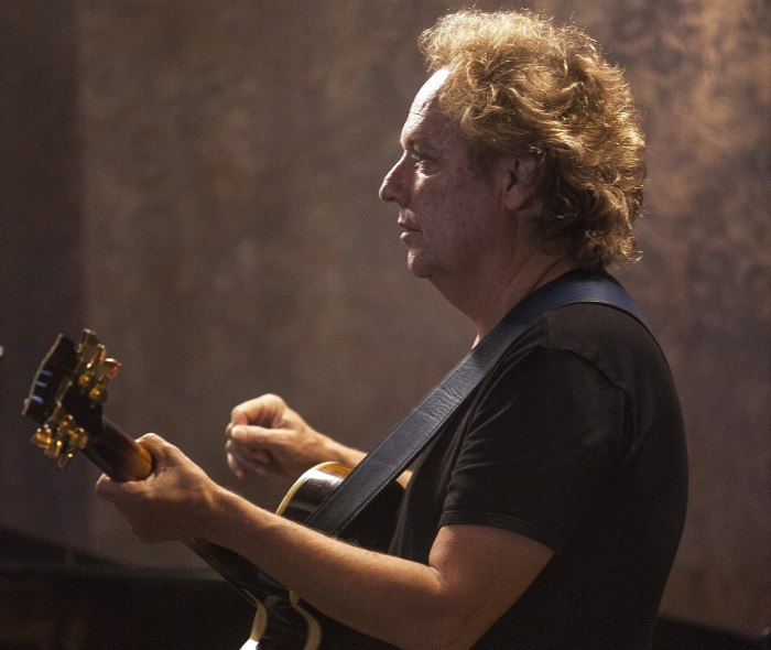 Lee Ritenour (photo © Vladimir Korobitsyn)