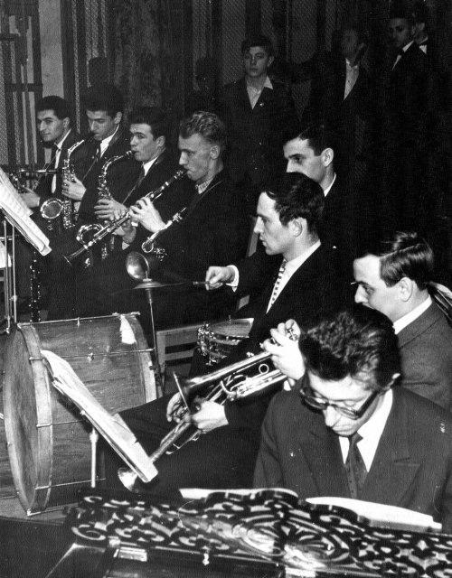 В эстрадном оркестре МИХМ, 1957