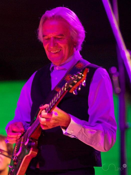 John McLaughlin (фото © Stage Visit)