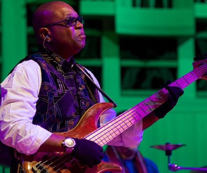 Étienne M'Bappé, John McLaughlin (фото © Stage Visit)