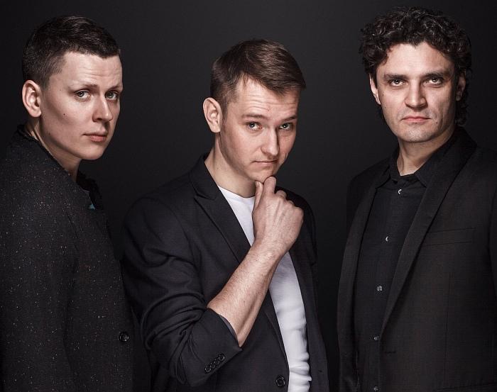 Барабанщик Игнат Кравцов, пианист Евгений Лебедев, басист Антон Ревнюк