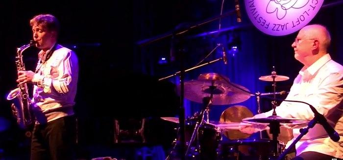Алексей Круглов и Олег Юданов на сцене фестиваля Oct Loft Jazz, Шэньчжэнь, Китай, октябрь 2014