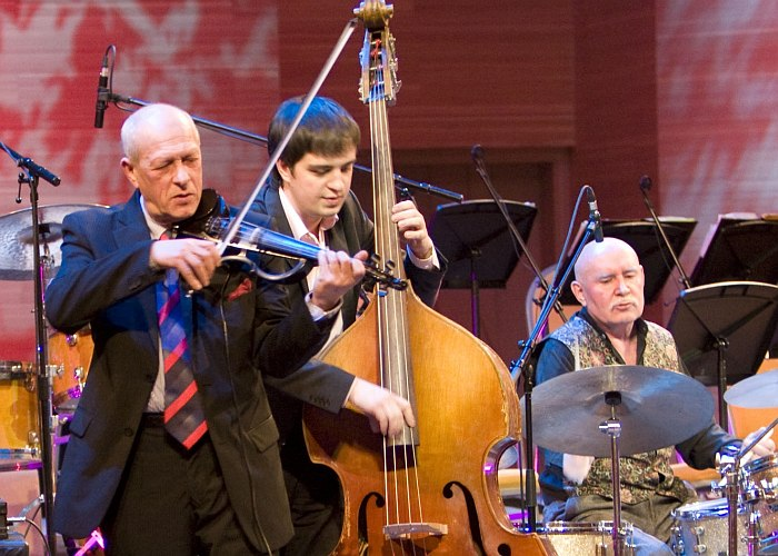 «Четверо»: Давид Голощёкин, Сергей Васильев, Виктор Епанешников (фото © Владимир Коробицын, 2008)