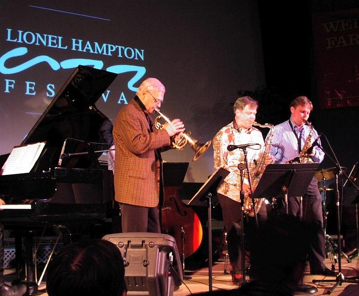 Герман Лукьянов, Игорь Бутман, Олег Грымов (Секстет Игоря Бутмана) на сцене Lionel Hampron Jazz Festival, США, 2005