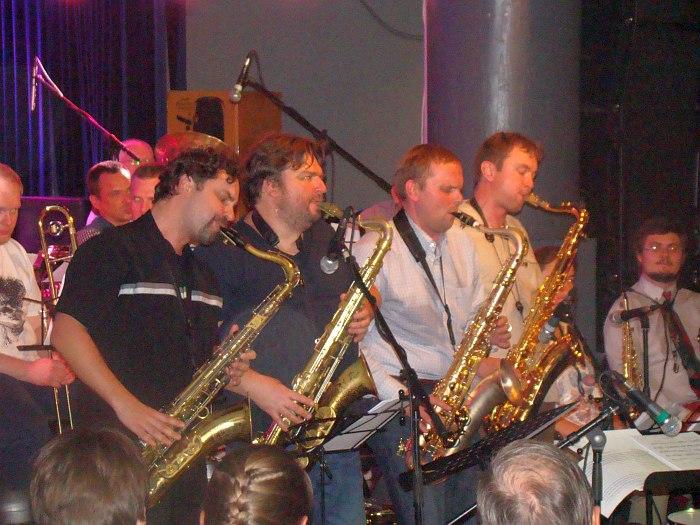 Секция саксофонов «Круглого бенда»