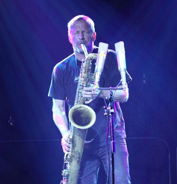 Матс Густафссон на фестивале в Тампере 1 ноября 2015