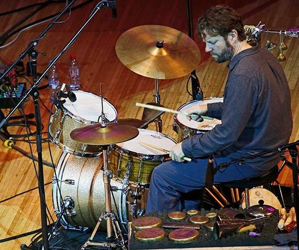 Билли Мартин на сцене Дома Музыки (фото © Владимир Коробицын)