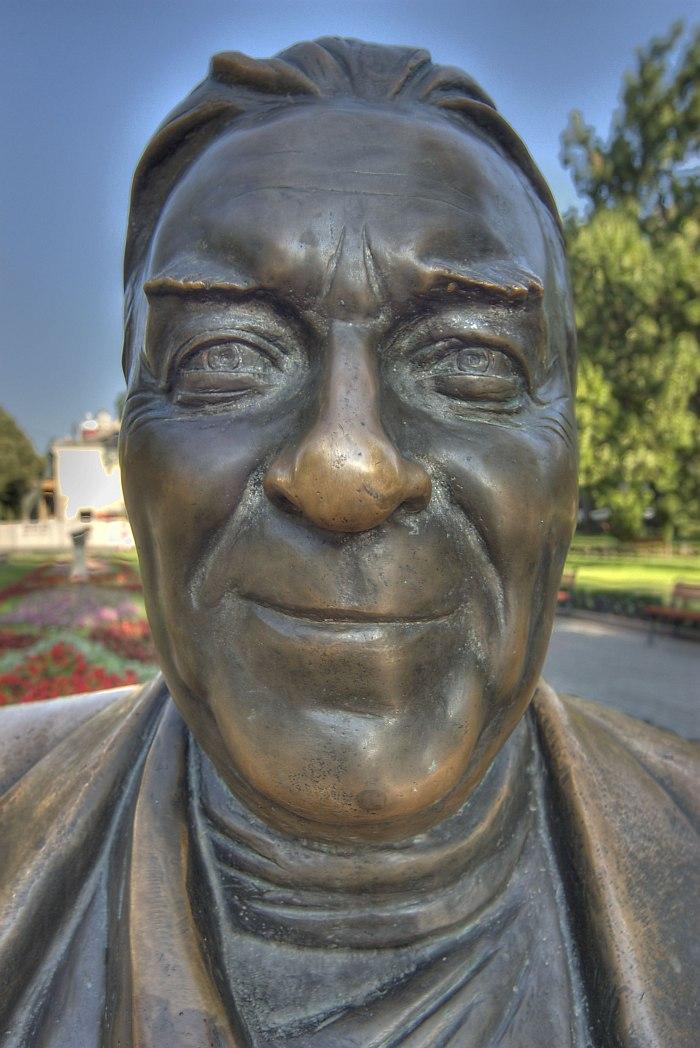 Памятник Леониду Утёсову в Одессе (скульптор Александр Токарев). Фрагмент