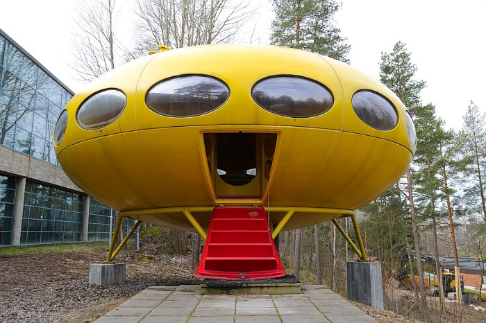 Futuro House (photo © Ralph Dombrovsky)