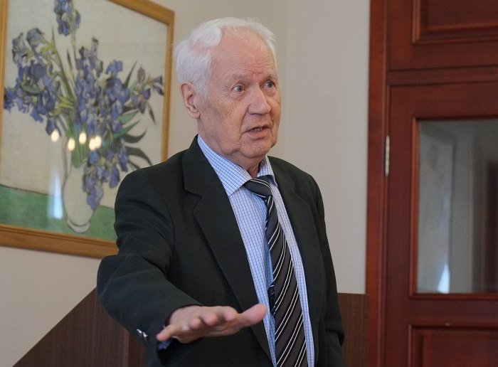 Анатолий Луппов