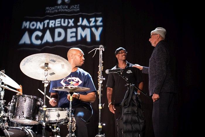 Чарлз Ллойд (справа) ведёт занятие в Montreux Jazz Academy