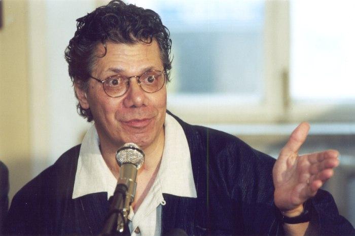 Чик Кориа на пресс-конференции в Москве, 2001 (фото © Павел Корбут)