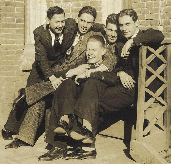 Отцы-основатели оркестра: молодые, веселые, влюблённые в джаз. Слева направо : Алексей Котяков, Олег Лундстрем, Александр Гравис, Игорь Лундстрем, Илья Уманец.