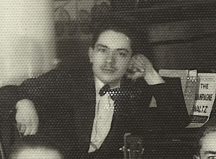 Олег Лундстрем, середина 30-х. Фотография напечатана на модной в то время рельефной фотобумаге, что теперь создаёт помехи при сканировании отпечатка.
