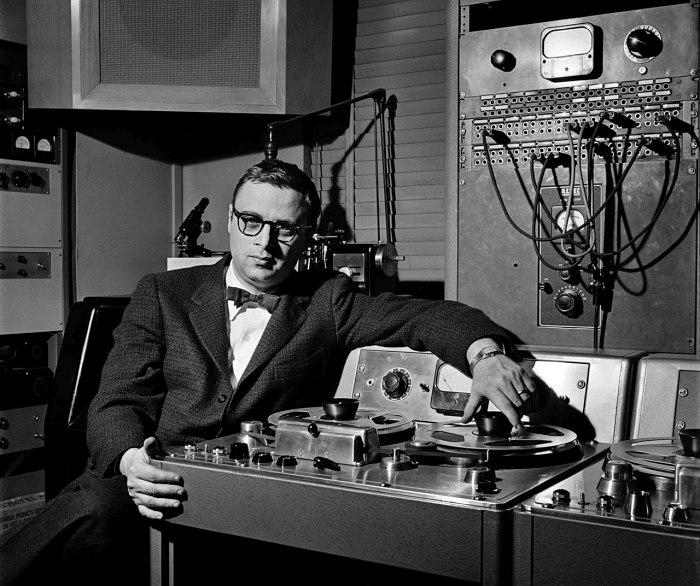 Руди Ван Гелдер в своей студии в Инглвуд-Клиффс, 1960-е гг.