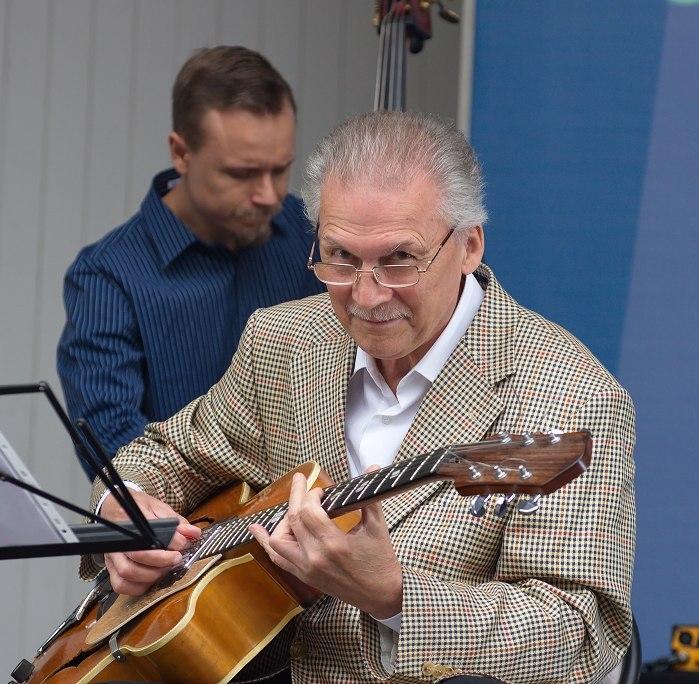 Алексей Кузнецов, фестиваль «Джазв саду Эрмитаж», 13 августа 2016 (фото © Сергей Родионов)