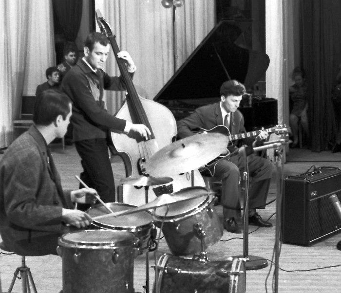 Трио Алексея Кузнецова на IV Московском джазовом фестивале, 1967 (фото © Михаил Кулль)
