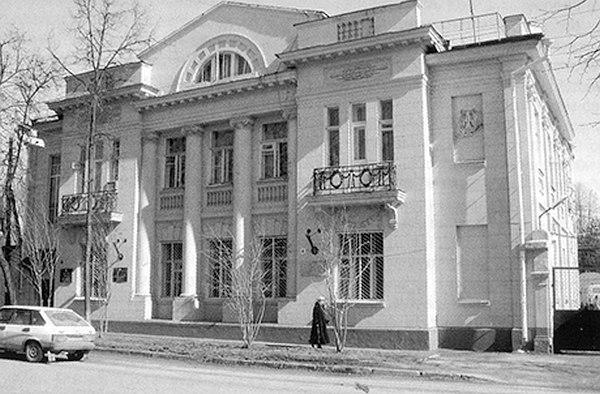 В этом здании в 40-х годах прошлого века размещалась Татарская филармония