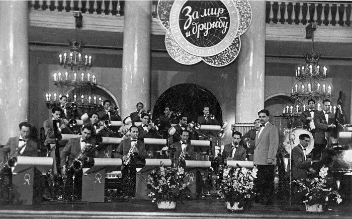 Оркестр в Колонном зале Дома Союзов, лето 1957 года