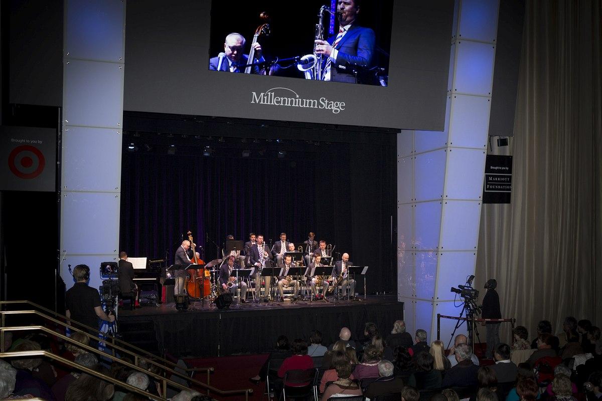 Московский джазовый оркестр на сцене Millenium Stage в Кеннеди-Центре, Вашингтон, январь 2014