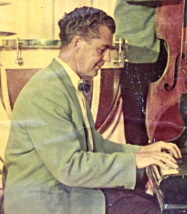 Юрий Модин в оркестре Олега Лундстрема, 1957 год.