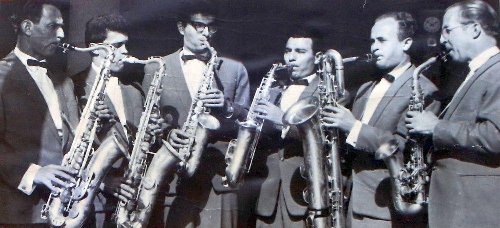 Группа саксофонов в оркестре О.Лундстрема, 1960. Второй справа на баритон-саксофоне — Лев Главацкий.