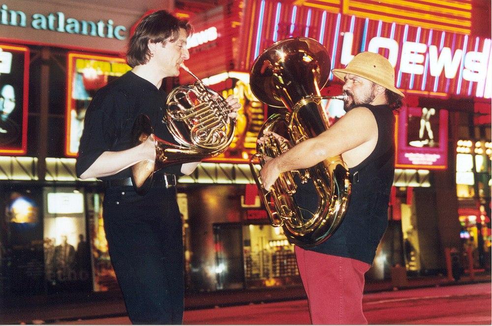 Аркадий Шилклопер и Аркадий Кириченко в Нью-Йорке, 1999 (фото © Павел Антонов)