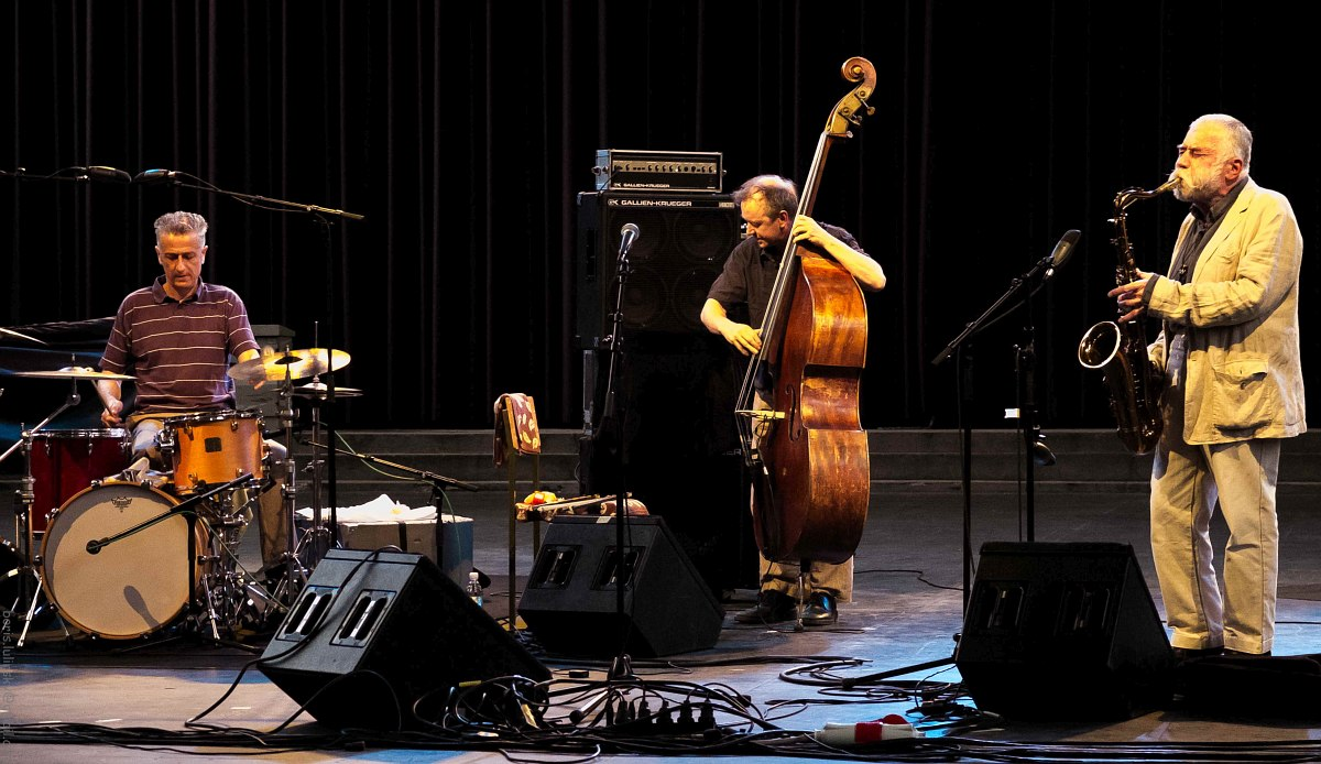 Steve Noble, John Edwards, Peter Brötzmann (фото © Борис Люлинский)
