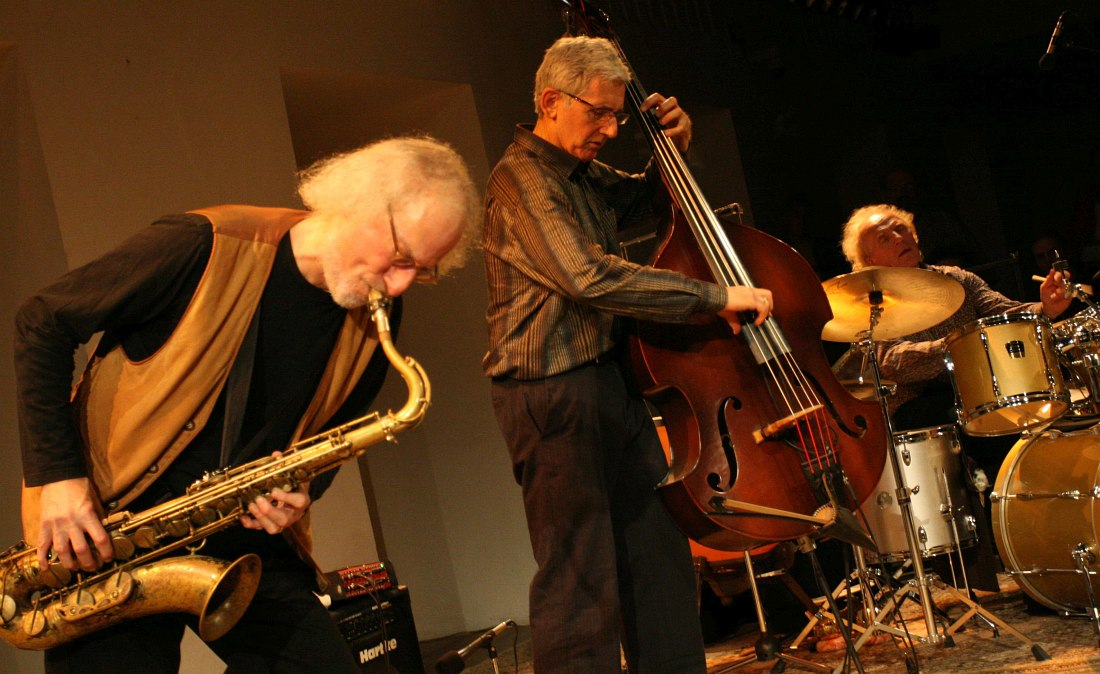 Jones Jones: Larry Ochs, Mark Dresser, Vladimir Tarasov