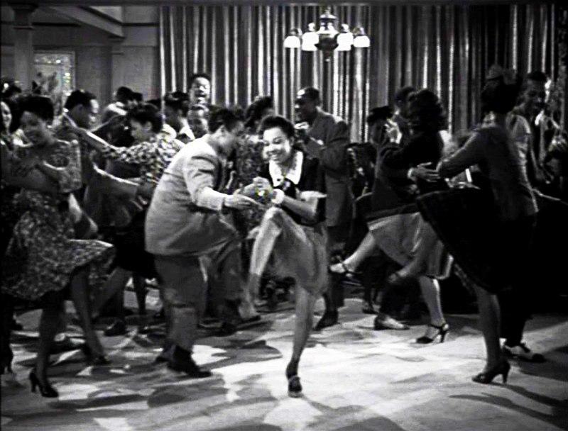 Так линди-хоп танцевали в 1930-е. Под свинг.