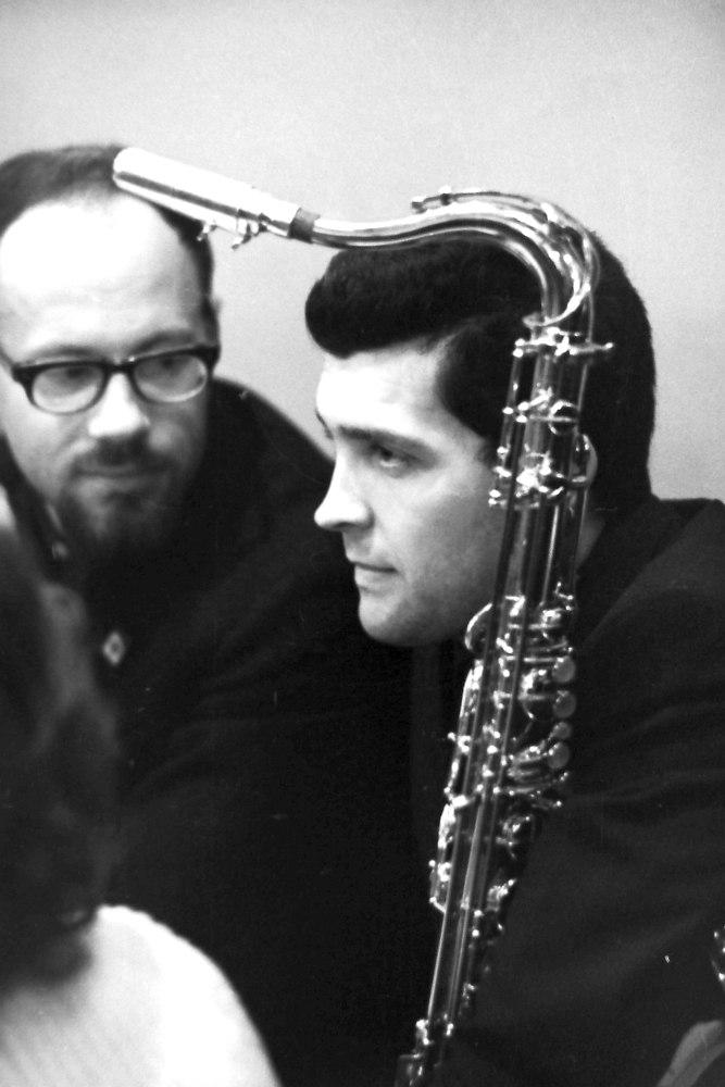 1963, Москва, джаз-кафе «Аэлита»: музыковед Аркадий Петров и 27-летний Алексей Зубов (фото: Михаил Кулль)